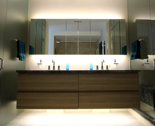 Led Strip Backlighting Mirror And Below Floating Vanity