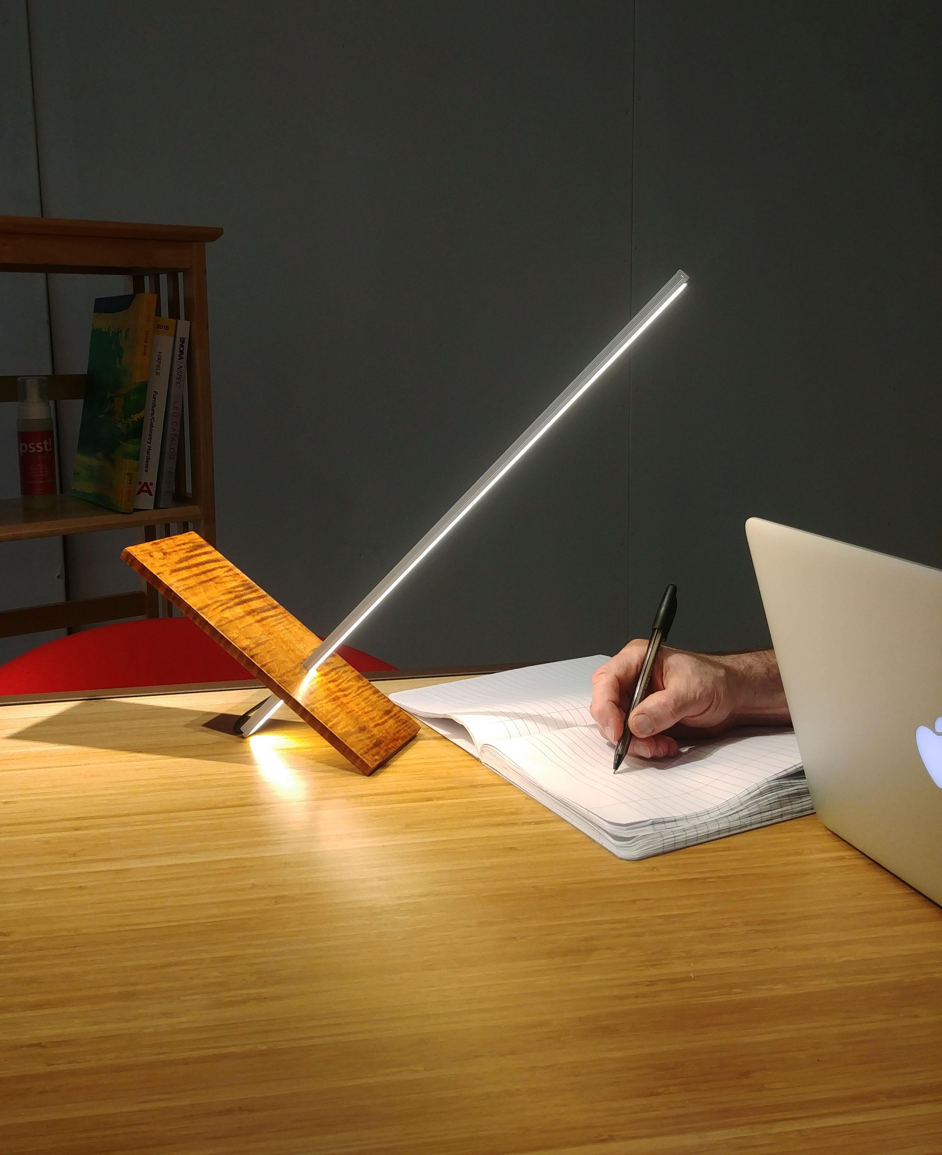 Stiiq LED Minimalist Table Lamp